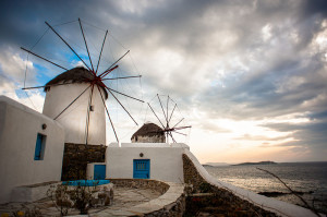 800px-Windmills_of_the_Mykonos_Island,_Chora._Cyclades,_Agean_Sea,_Greece-2